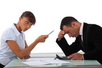 Приказ о нарушении трудовой дисциплины: образец распоряжения при наложении взыскания в виде выговора, можно ли применять в качестве предупреждения штрафы?