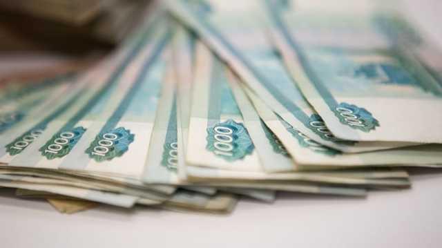 Выплата зарплаты умершего работника родственникам: порядок выдачи заработной платы, необходимые документы, образец заявления, нужно ли платить НДФЛ и взносы?