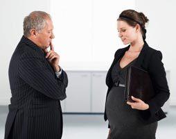 Можно ли уйти в декрет с декретной ставки: вправе ли работодатель уволить беременную женщину, если она на должности основного работника