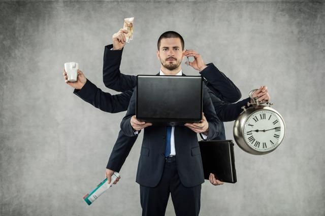 Дополнительный отпуск за вредные условия труда: продолжительность по ТК РФ и по списку профессий, предоставление, расчет оплаты дней за вредность на примере