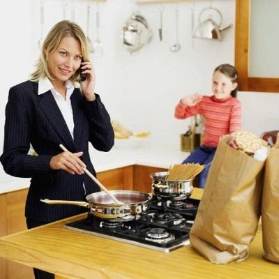 Увольнение по уходу за ребенком инвалидом: по собственному желанию, как уволить родителя по инициативе работодателя, запись в трудовой книжке