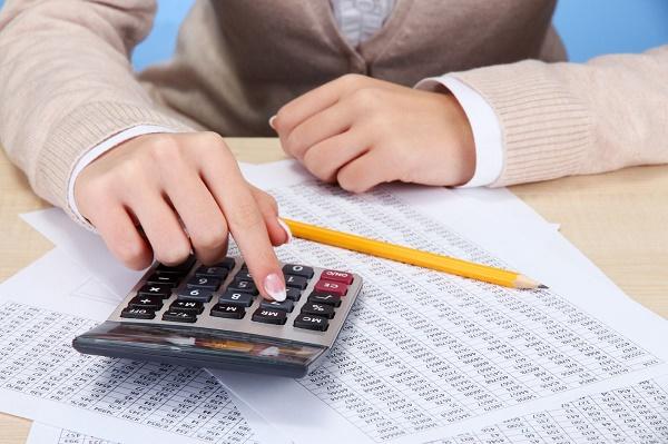 Компенсация за неиспользованный отпуск облагается НДФЛ: всегда ли нужно удерживать налог, сроки уплаты и перечисления, в том числе при увольнении