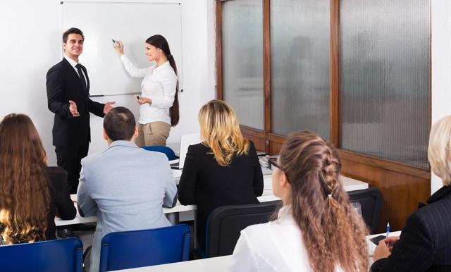 Протокол проверки знаний по охране труда работников: скачать образец, заполнение формы на заседании комиссии при оценке знаний требований ОТ рабочего персонала