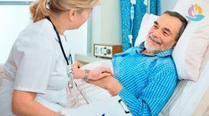 Больничный по уходу за родственником: можно ли взять по закону, в каком случае дается, сколько дней оплачивается, как получить, если больной родитель в стационаре
