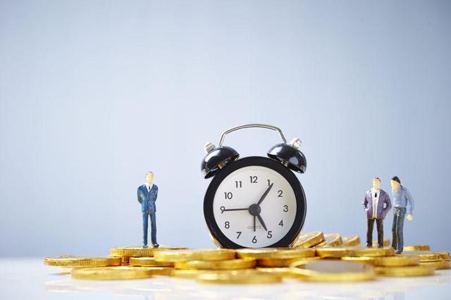 Простая повременная система оплаты труда: что это такое, когда применяется форма, как рассчитать зарплату – формулы и примеры расчета, преимущества и недостатки