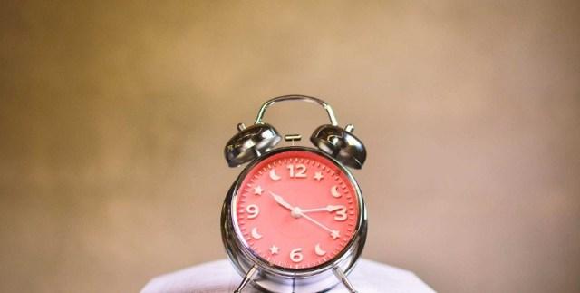 Объяснительная записка об опоздании на работу: образец, как написать, почему опоздал, пример текста в связи с пробками, по причине того, что проспал