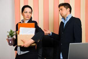 Увольнение матери одиночки с ребенком до 14 лет: можно ли уволить с работы по инициативе работодателя, как уйти с работы по собственному желанию без отработки?