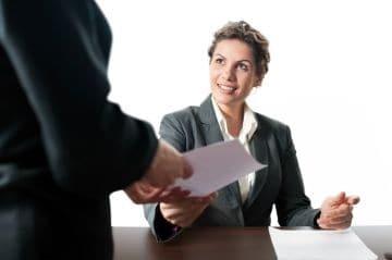 Порядок применения дисциплинарных взысканий к работнику по ТК РФ: процедура привлечения к ответственности, правила наложения наказания, как правильно оформить