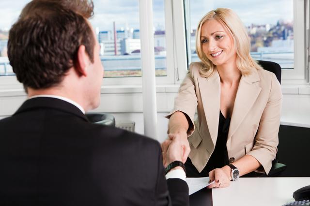 Запись об увольнении по собственному желанию в трудовой книжке: правильный образец заполнения, как сделать отметку о том, что уволен по пункту 3 части 1 статьи 77