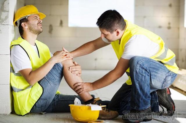 Производственная травма: выплаты и компенсации пострадавшему, какие суммы положены на работе, от ФСС, возмещение морального ущерба при НС на производстве