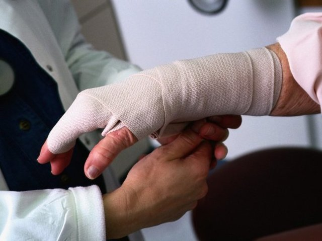 Производственная травма: понятие по ТК РФ, какие НС относятся к производственным, а какие нет, определение срока давности