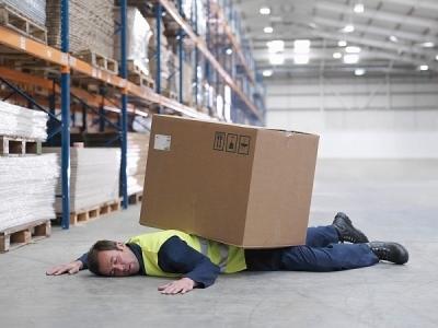 Действия при несчастном случае на производстве со стороны работника, работодателя и прочего персонала: что нужно делать – алгоритм и последовательность движений