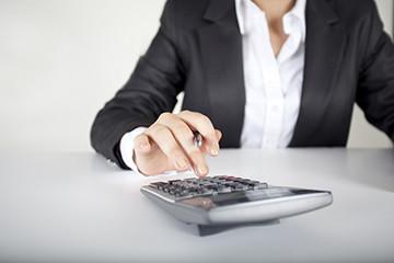 Выплата зарплаты при увольнении: сроки выдачи, когда выплачивается расчет при уходе по собственному желанию, положена ли 13 заработная плата?