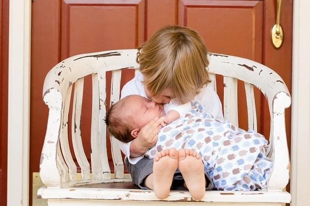 Из декрета в декрет не выходя на работу: выплаты при втором больничном, примеры расчета пособия по беременности и родам, как оформить