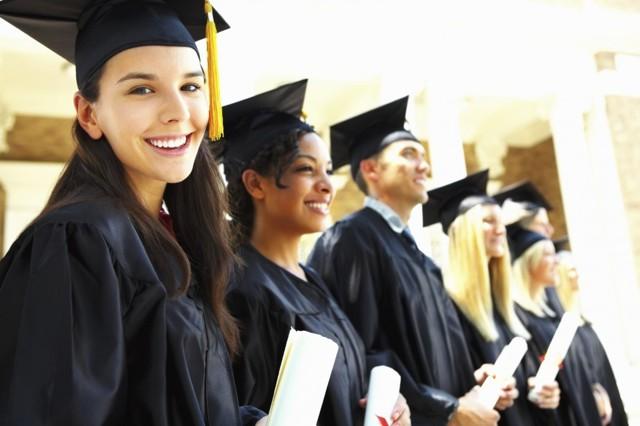Входит ли учеба в стаж для больничного: учитывается ли обучение в ПТУ, училище, ВУЗе, институте, пример расчета страхового периода для начисления оплаты по листу