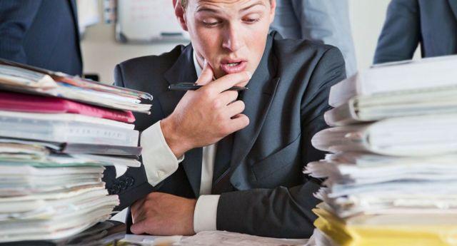 Уведомление о приеме на работу бывшего госслужащего: образец, сроки, кого уведомлять о принятии государственного служащего?
