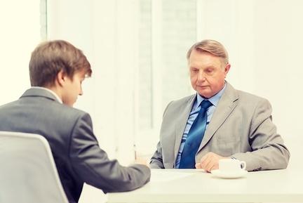 Заявление на увольнение в связи с уходом на пенсию: образец, как правильно написать по причине достижения пенсионного возраста и выхода на заслуженный отдых – пример
