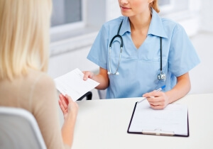 Заявление на продление отпуска по беременности и родам: образец на 16 дней при осложненных родах, как написать на основании дополнительного больничного