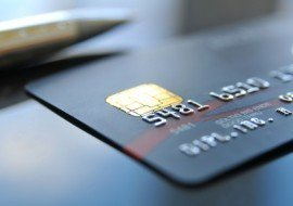 Выплата зарплаты на карту через банк: как выдать заработную плату сотруднику на банковскую карточку, можно ли перечислить другому человеку, сроки зачисления