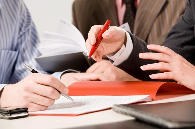 Увольнение материально-ответственного лица: порядок действий и проведение инвентаризации, могут ли высчитать недостачу и долг у работника, передача имущества