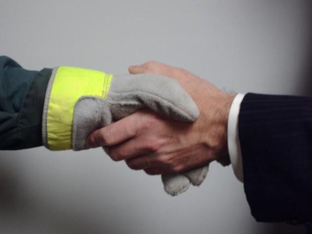 Как уволить пенсионера без его согласия с работы: порядок увольнения по инициативе работодателя, наказания и уголовная ответственность по ТК РФ