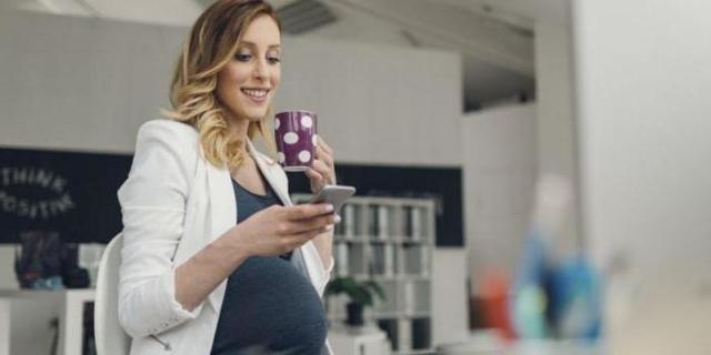 Справка о легком труде для беременных: когда выдается при беременности, образец оформления для перевода на облегченные условия, что дает этот документ?