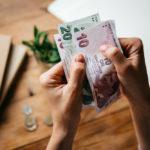 Зарплата после повышения МРОТ: у кого повысится заработная плата, как увеличение минимальной оплаты труда влияет на заработок, как оформить изменение оклада?