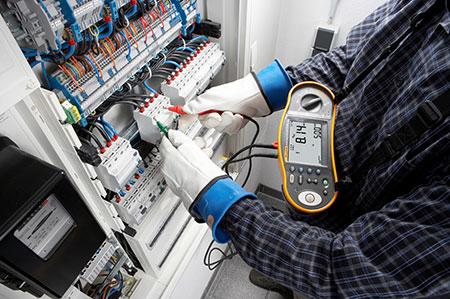 Проверка знаний по электробезопасности для 1, 2, 3, 4 группы: периодичность и сроки проведения, как и где проводится первичная, очередная и внеочередная?