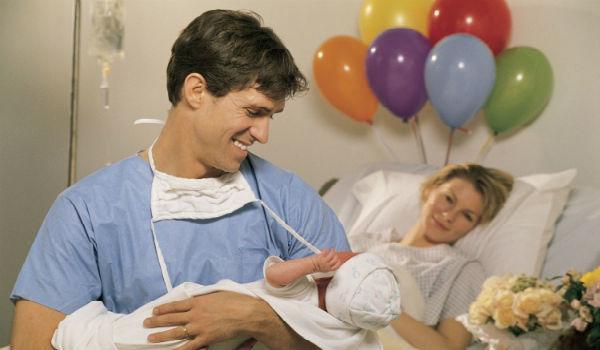 Отгулы при рождении ребенка отцу: положены ли по Трудовому кодексу, сколько дней дается, как правильно предоставляются и оформляются - образец заявления и приказа