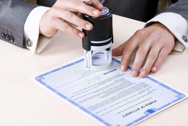 Заявление на увольнение находясь в отпуске: можно ли написать сотруднику по собственному желанию перед или во время отдыха, нужна ли отработка?