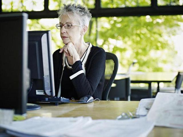 Отпуск без сохранения заработной платы пенсионерам: сколько дополнительных отгулов без содержания положено, предоставления и оформление выходных за свой счет