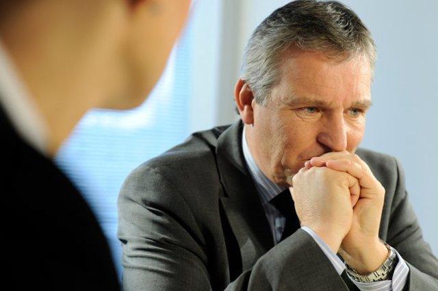 Не увольняют по собственному желанию с работы: что делать и куда жаловаться при отказе, могут ли отказать?