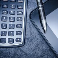 Выходное пособие при увольнении по сокращению штатов: порядок выплаты, сроки и размер, облагается ли НДФЛ и взносами – правила налогообложения