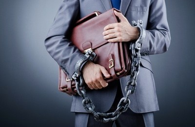 Ответственность за несчастный случай на производстве: уголовная и административная, что грозит работодателю и руководителю, последствия и штрафы