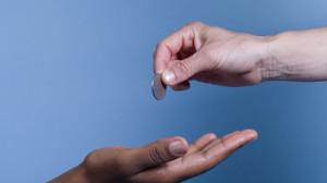 Приказ на материальную помощь: образец распоряжения об оказании и выплате мат поддержки работнику