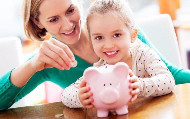 Пособие по уходу за третьим ребенком до 1.5 лет: сколько платят, минимальный размер ежемесячной выплаты, оформление отпуска до 3 лет