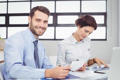 Приказ об утверждении Положения об оплате труда работников: образец распоряжения о принятии документа и введении его в действие, как правильно утвердить?