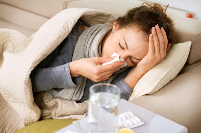 Можно ли написать заявление на увольнение, находясь на больничном листе: какой датой увольнять работника, если он подал по собственному желанию и заболел?