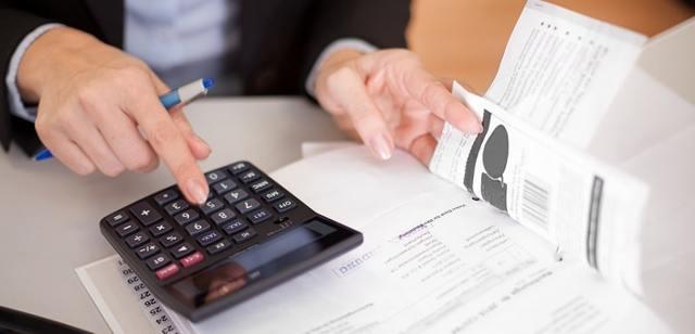 Расчет средней заработной платы: как рассчитать заработок за 12 месяцев, за 2 года, за 3 месяца, формулы. Какие выплаты входят, а какие не учитываются?