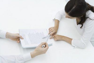 Увольнение временного работника в связи с выходом основного: как уволить сотрудника, принятого по срочному трудовому договору на время отсутствующего