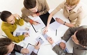 Комиссия по охране труда в организации: при каких условиях создается, сколько нужно человек для создания, каким образом утверждается состав комитета?
