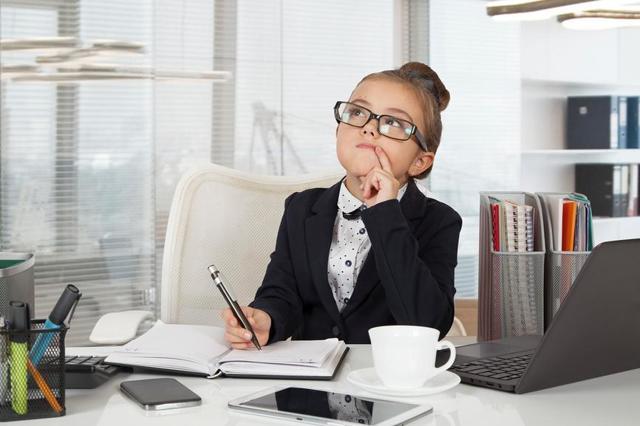 Прием на работу несовершеннолетних: особенности заключения трудового договора с лицами до 18 лет, с какого возраста допускается принимать?