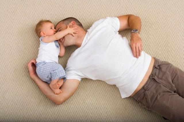 Может ли муж получить декретные если жена не работает: вправе ли мужчина оформить пособие по беременности и родам, по уходу за ребенком