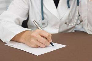 Как взять больничный лист: пошаговая инструкция по оформлению, если заболел, порядок действий сотрудника и работодателя, можно ли открыть листок, если не болеешь?
