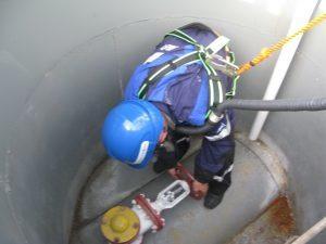 Газоопасные работы: порядок проведения, какие требования и меры безопасности охраны труда предъявляются при их выполнении, кто допускается к деятельности?